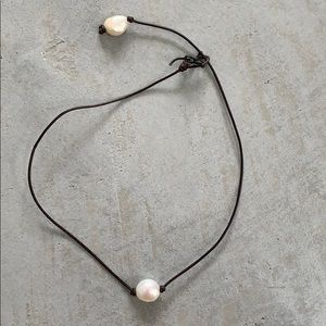 Jewelry - Pearl & leather choker necklace